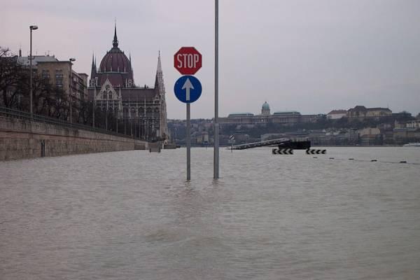 Duna áradása 2002-ben Budapesten