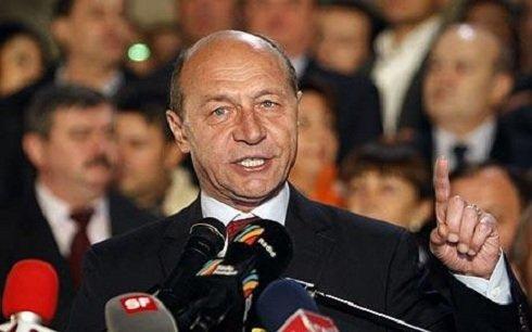 Traian_Basescu_fenyeget