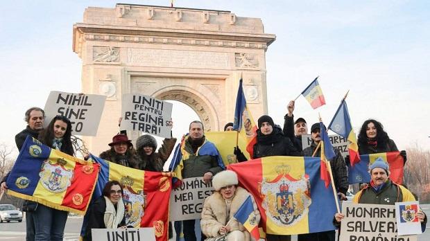 Román monarchisták. Fotó: Monarchia Salvează România / Facebook