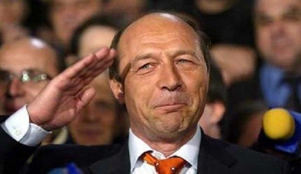 Băsescunak elgurult a gyógyszere: Románia a Tiszáig tart!