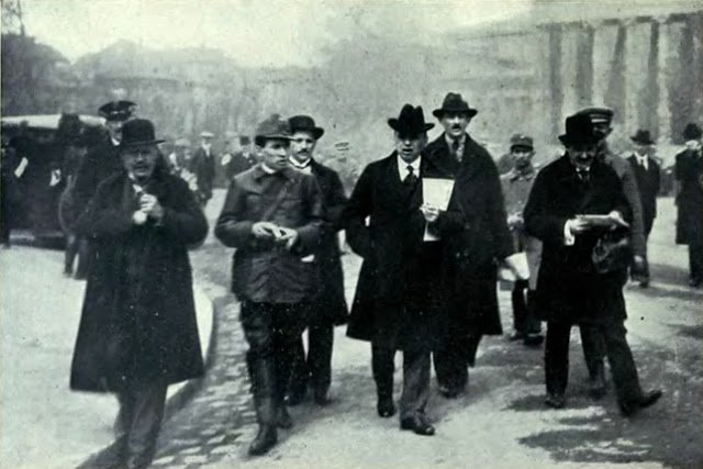 dicsoseges-bolsevik-centenarium