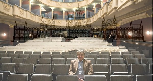 Ma már minden nemzeti politikusnak hangosan kellene ordítoznia, avagy Dörner György és az Újszínház zaklatása