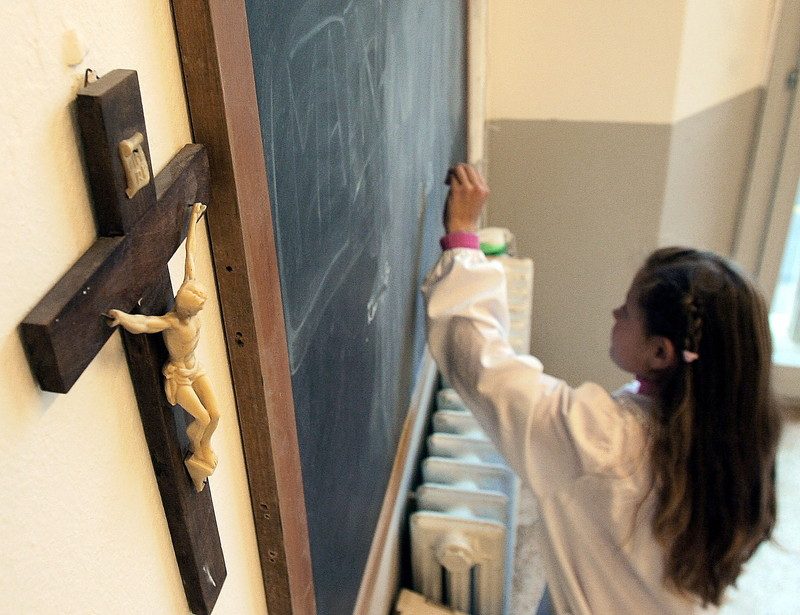 eltávolítanák a feszületeket az olasz iskolákból