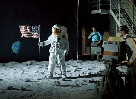 Állítólag 50 évvel ezelőtt ember járt a Holdon
