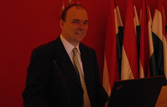 2014. június 26. ászló Miklós. a KIH ingatlangazdálkodási főosztályvezetője tartja meg előadását a konferencián.