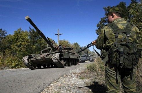 kijev_kivonja_harckocsijait_luhanszkbol