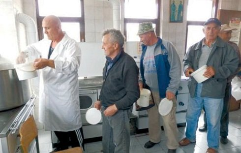 Délvidék - A vajdasági kormány segítsége a koszovói népkonyháknak