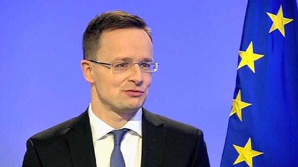 Magyar külügyminiszter Lyukra futtatja az EP-t.
