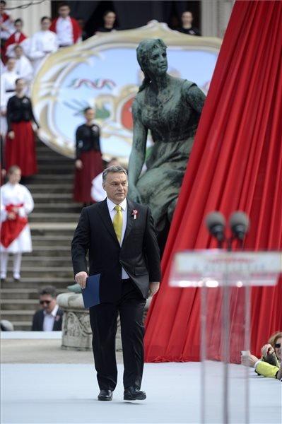 2015. március 15. Orbán Viktor miniszterelnök az 1848-49-es forradalom és szabadságharc kitörésének 167. évfordulóján rendezett állami ünnepségen Budapesten, a Múzeumkertben 2015. március 15-én. MTI Fotó: Kovács Tamás