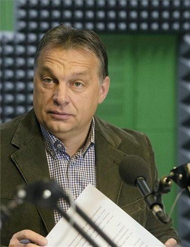 Orbán Viktor miniszterelnök interjút ad a Kossuth Rádió 180 perc című műsorában a Magyar Rádió stúdiójában 2013. december 6-án. MTI Fotó: Koszticsák Szilárd