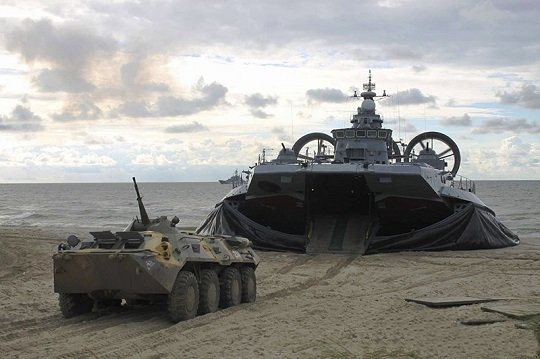 orosz-legparnas-hadihajo2