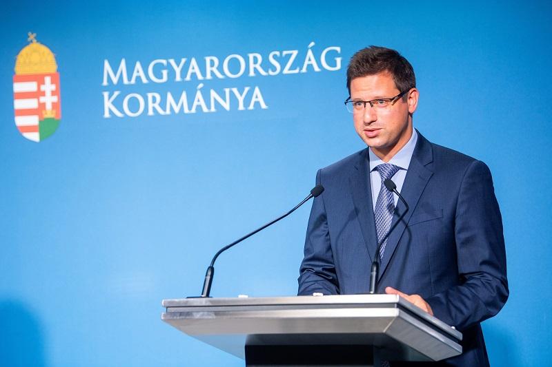 Budapest, 2021. június 24. Gulyás Gergely, a Miniszterelnökséget vezetõ miniszter a Kormányinfó sajtótájékoztatón a Miniszterelnöki Kabinetiroda sajtótermében 2021. június 24-én. MTI/Balogh Zoltán