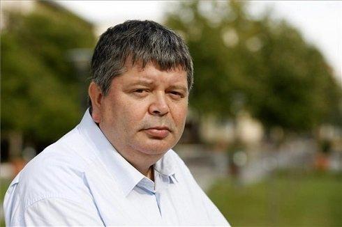 Az év főépítésze díjjal idén elismert Pataki Ferenc, Szolnok főépítésze a város főterén 2013. szeptember 2-án. MTI Fotó: Bugány János