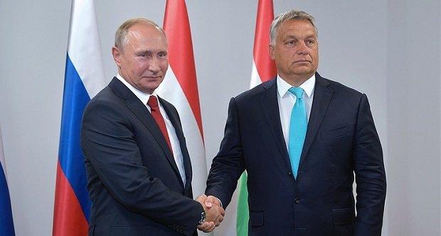 Baráti viszony: Putyin judo elméletre akarja tanítani Orbán Viktort