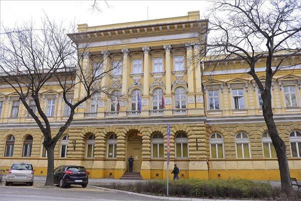 Az Újvidéki Egyetem Magyar Tannyelvű Tanítóképző Karának (MTTK) épülete Szabadkán 2015. március 13-án, amelyben ezen a napon átadták a Magyarország kormányának támogatásával, az 1848/49-es magyar forradalom és szabadságharc évfordulójára felújított épületrészt. MTI Fotó: Molnár Edvárd
