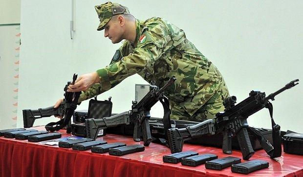 uj_fegyverek_katonainknak