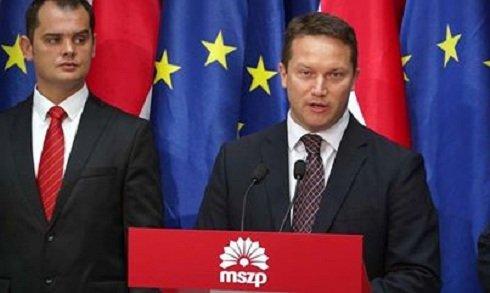 A szocialisták a magyar kormány elleni támadásra használják Brüsszelt